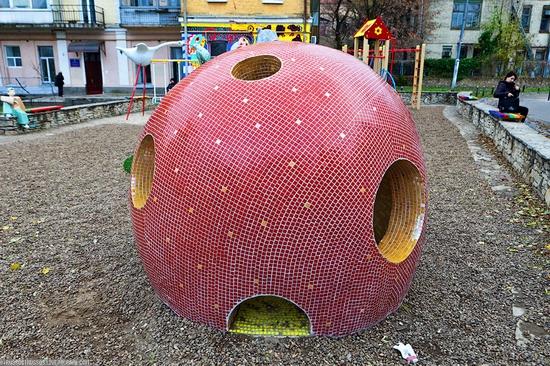 Bizarre children's landscape park, Kiev, Ukraine view 8