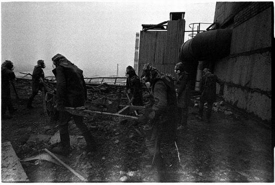 Fighting Chernobyl disaster 4