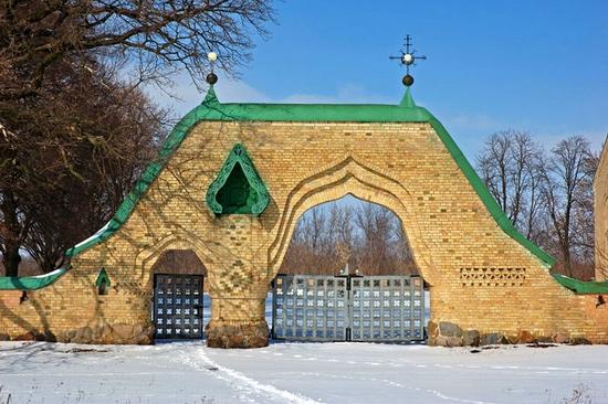 Parkhomovka church, Kiev oblast, Ukraine view 2