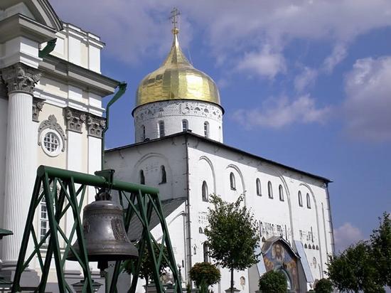 Holy Dormition Pochaev Lavra, Ukraine view 9