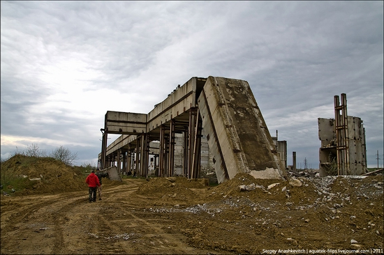 Abandoned Crimean nuclear power plant view 14