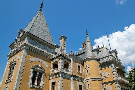 Massandra Palace, Yalta, Crimea view 12
