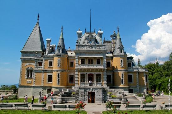 Massandra Palace, Yalta, Crimea view 2