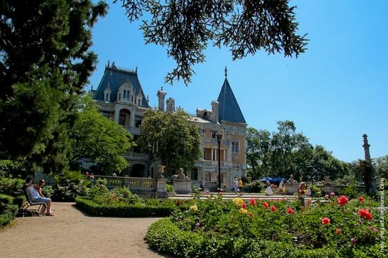 Massandra Palace, Yalta, Crimea view 3