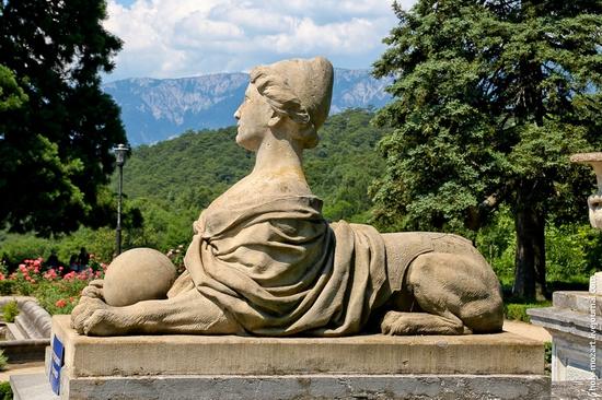 Massandra Palace, Yalta, Crimea view 6