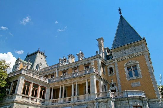 Massandra Palace, Yalta, Crimea view 9