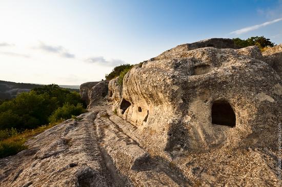 Eski-Kermen - medieval underground fortress-city view 1