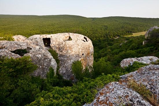 Eski-Kermen - medieval underground fortress-city view 12