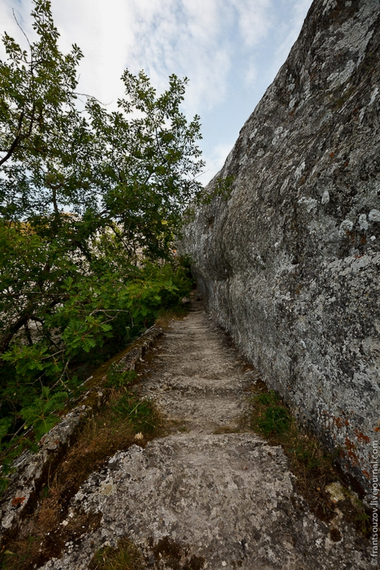 Eski-Kermen - medieval underground fortress-city view 4