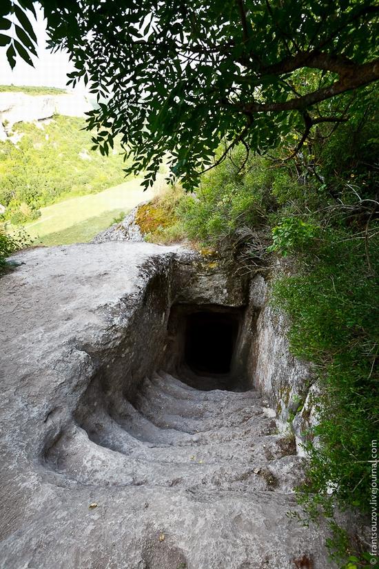 Eski-Kermen - medieval underground fortress-city view 5