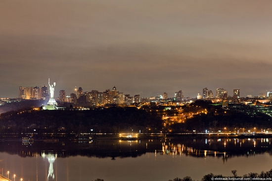 Kiev night time view 1