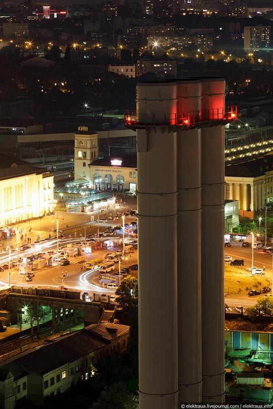 Kiev night time view 10