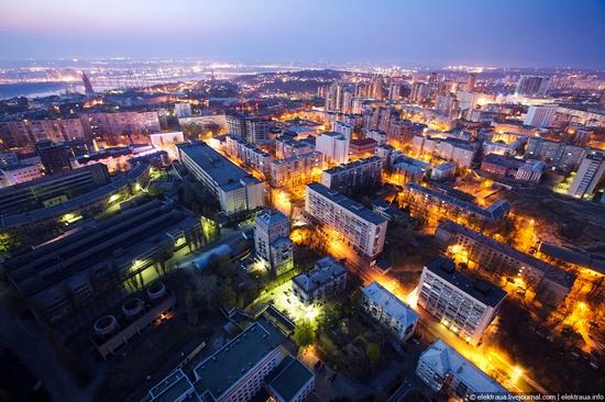 Kiev night time view 14
