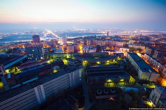 Kiev night time view 15