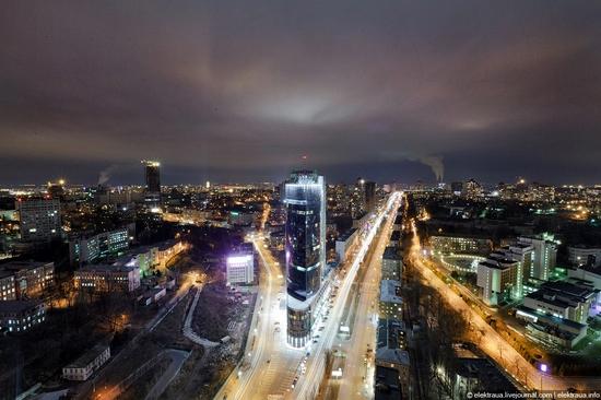 Kiev night time view 18