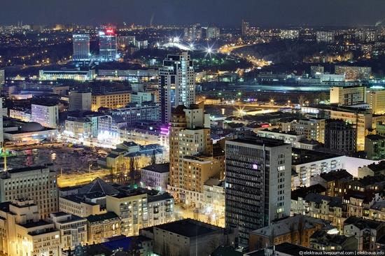 Kiev night time view 20