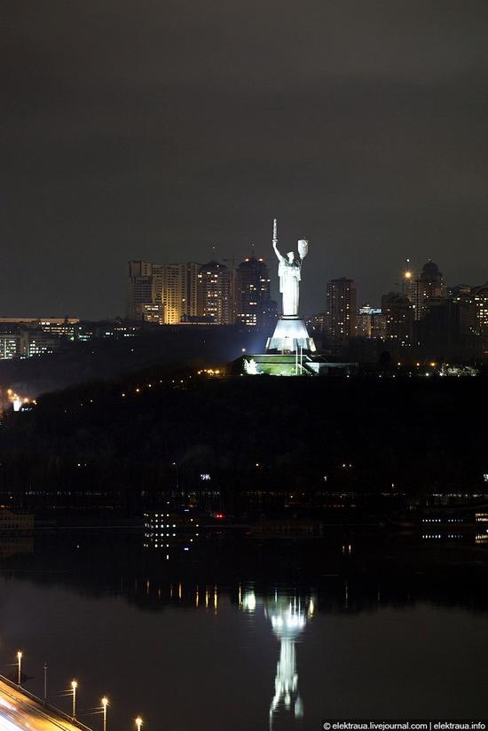 Kiev night time view 22