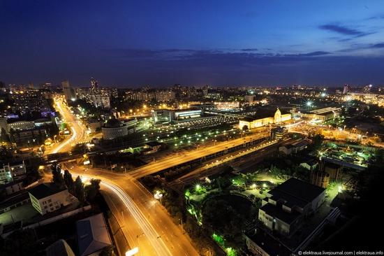Kiev night time view 3