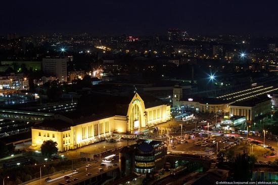 Kiev night time view 5