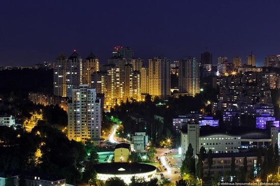 Kiev night time view 6