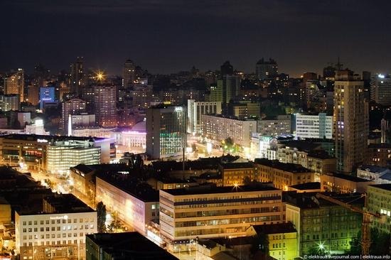 Kiev night time view 9