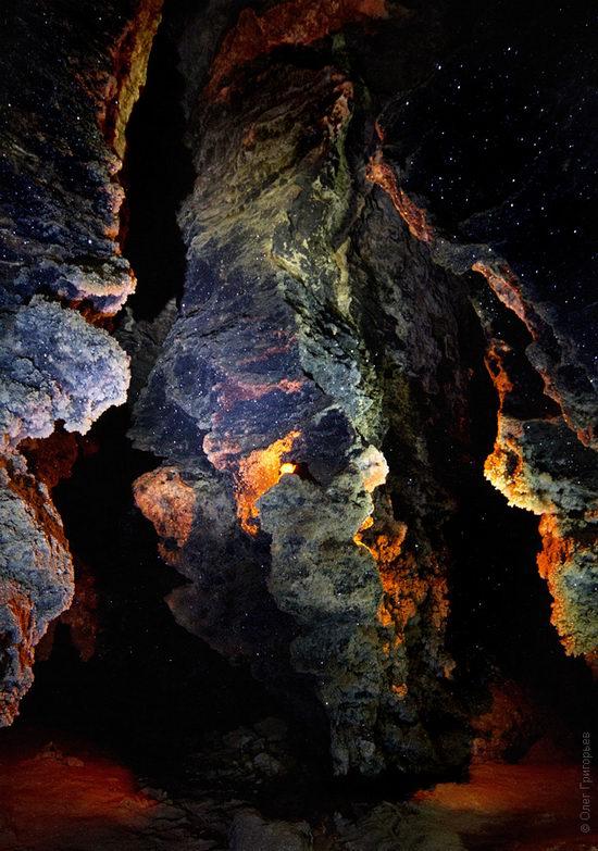 Gorgeous underground universe of Mlynki cave, Ukraine view 11