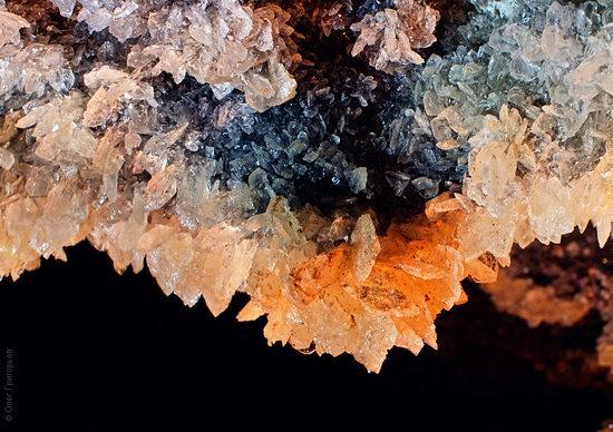 Gorgeous underground universe of Mlynki cave, Ukraine view 14