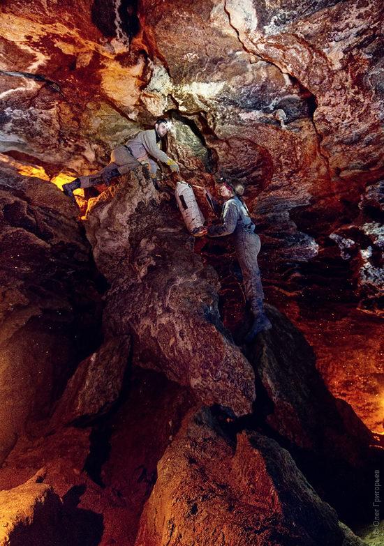 Gorgeous underground universe of Mlynki cave, Ukraine view 3