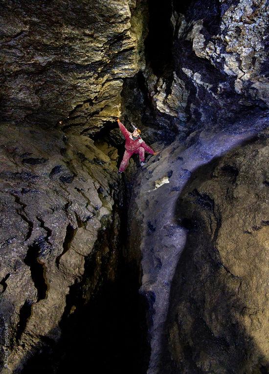 Gorgeous underground universe of Mlynki cave, Ukraine view 4