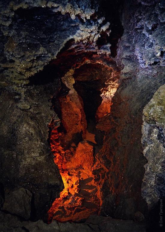 Gorgeous underground universe of Mlynki cave, Ukraine view 5