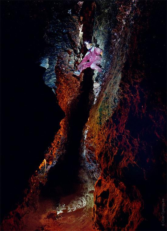 Gorgeous underground universe of Mlynki cave, Ukraine view 6