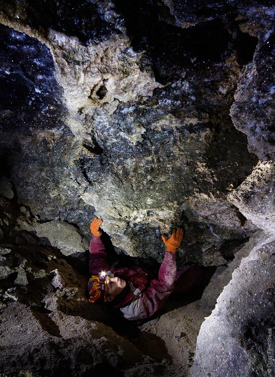 Gorgeous underground universe of Mlynki cave, Ukraine view 8