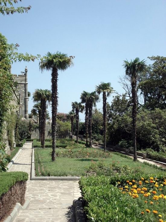 Vorontsov Palace, Alupka, Crimea, Ukraine view 10