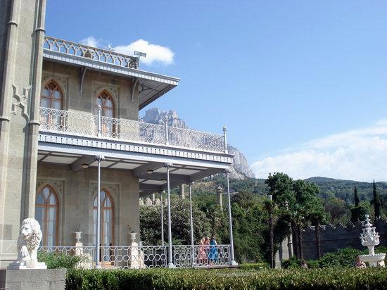 Vorontsov Palace, Alupka, Crimea, Ukraine view 6