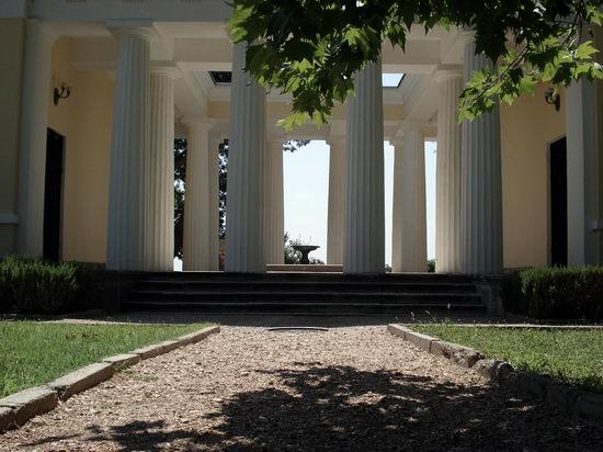 Vorontsov Palace, Alupka, Crimea, Ukraine view 7