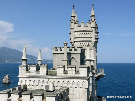 Swallow's Nest castle, Crimea, Ukraine photo 1