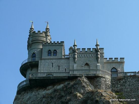 Swallow's Nest castle, Crimea, Ukraine photo 3