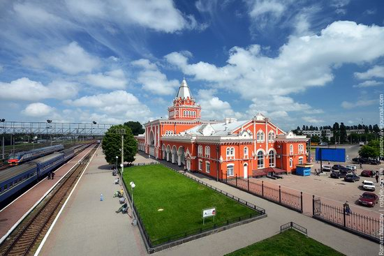 Chernigov railway station, Ukraine photo 1