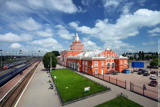 Chernigov railway station, Ukraine photo 1