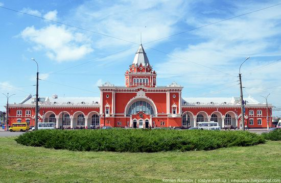 Chernigov railway station, Ukraine photo 2