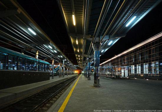 Donetsk railway station, Ukraine photo 6