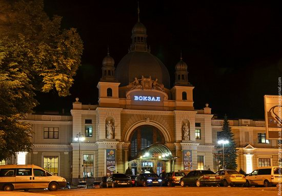 Lviv railway station, Ukraine photo 1