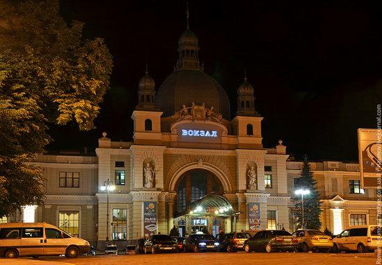 Lviv railway station, Ukraine photo 1