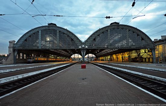 Lviv railway station, Ukraine photo 3