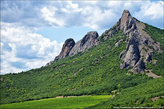 Picturesque landscapes of Crimea, Ukraine photo 12