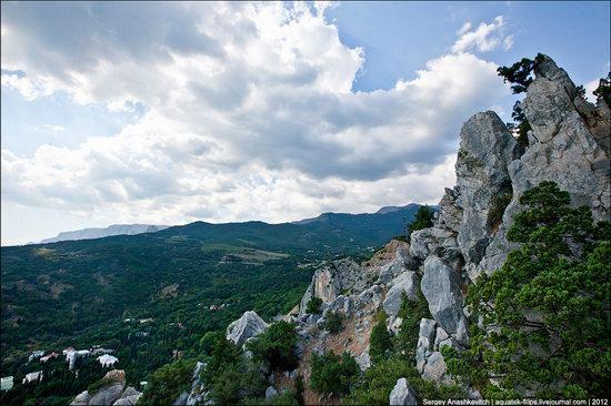 Picturesque landscapes of Crimea, Ukraine photo 2