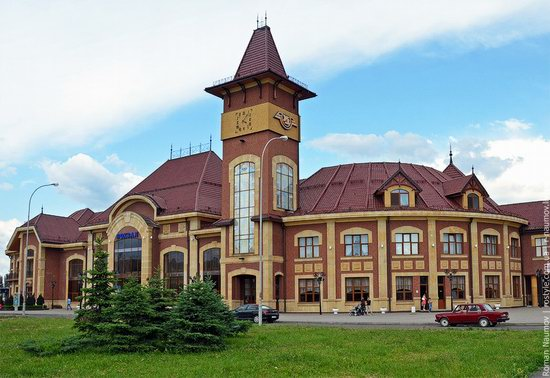 Uzhgorod railway station, Ukraine photo 2