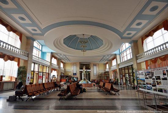Uzhgorod railway station, Ukraine photo 3