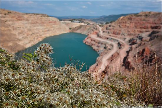 Picturesque abandoned quarry near Sevastopol, Crimea, Ukraine photo 6