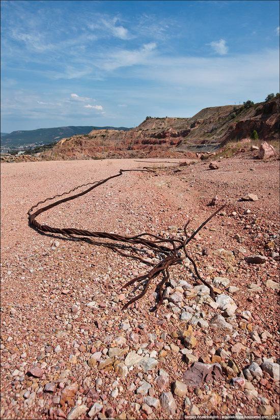 Picturesque abandoned quarry near Sevastopol, Crimea, Ukraine photo 7